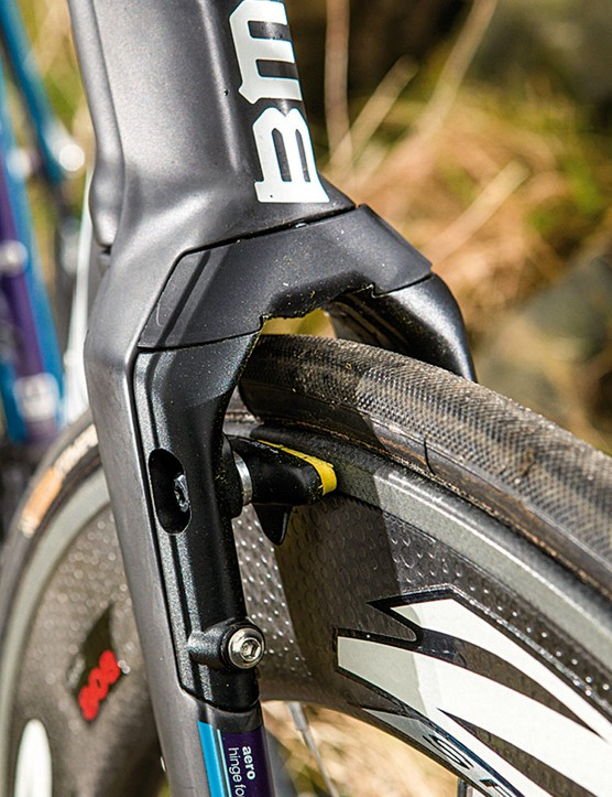BMC have built the V-brakes into the face of the wide-spaced fork legs for minimal airflow disturbance