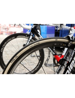 Some FDJ team bikes were instead fitted with 25mm-wide FMB Paris-Roubaix tires