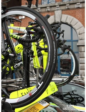 Schwalbe Ultremo HT tubulars are mounted to Edco carbon wheels with ceramic-coated sidewalls on the Vini Fantini-Selle Italia team bikes at Scheldeprijs