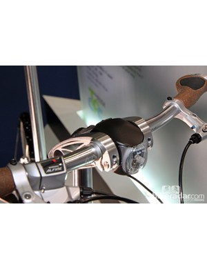 The front light is neatly integrated into the Syntace-licensed VRO adjustable handlebar on the new Tern Verge S11i