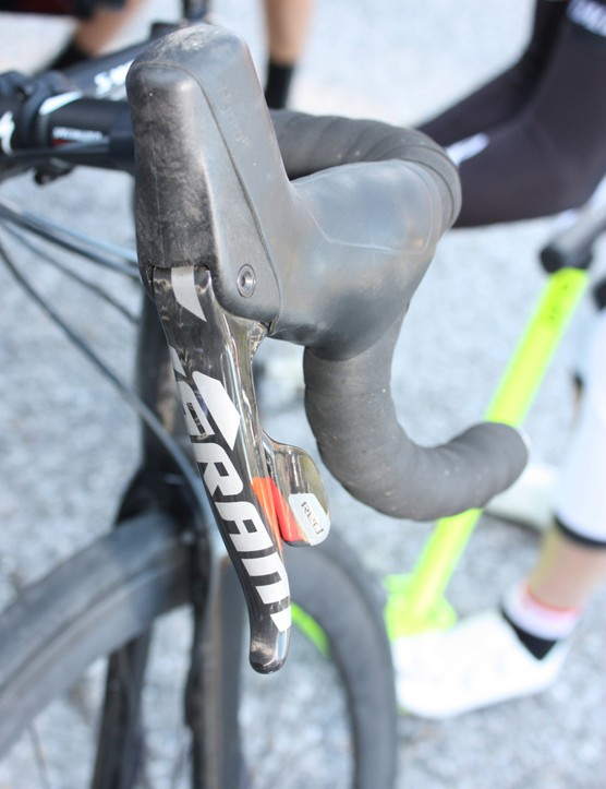 A closer look at the hydraulic SRAM Red lever