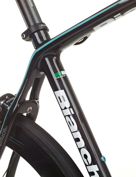 The Infinito CV is not more flexible because of the Countervail, Bianchi claims, but just better at damping vibration