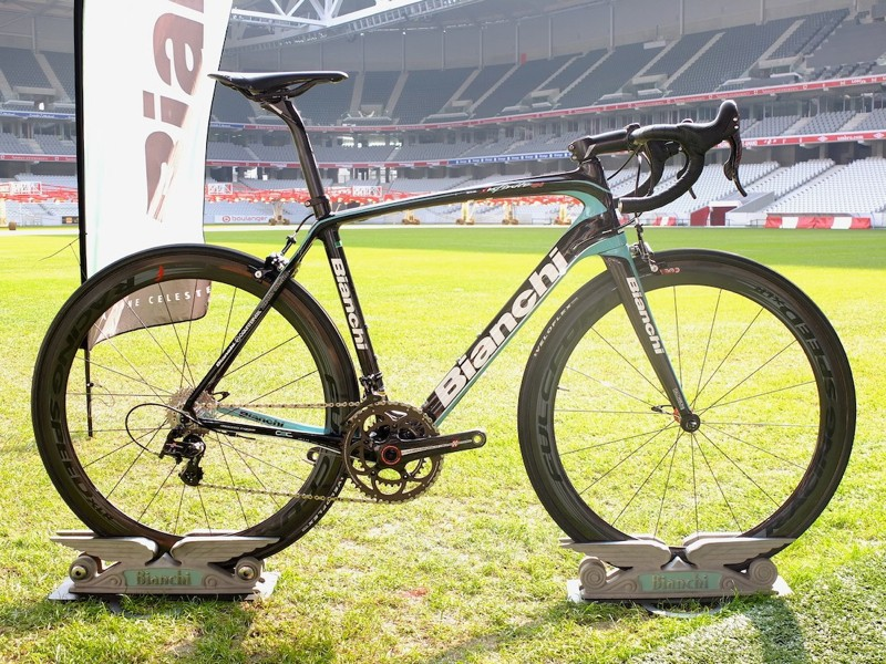 The Infinito CV on a sunny Lille stadium pitch, far from its intended use this Sunday at Paris-Roubaix