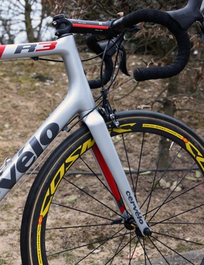 Some might consider the shaping on Johan Vansummeren's (Garmin-Sharp) Cervélo R3 Mud front end to be boring but the engineering principles behind it have proven themselves to be extremely sound at Paris-Roubaix