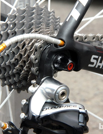 Radioshack-Leopard-Trek team bikes feature non-replaceable rear derailleur hangers for better durability and shift performance