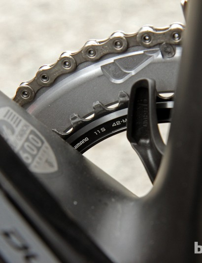 While many riders at Paris-Roubaix opt for 44-, 45-, or even 46-tooth inner chainrings, Fabian Cancellara (Radioshack-Leopard-Trek) uses a fairly standard 42