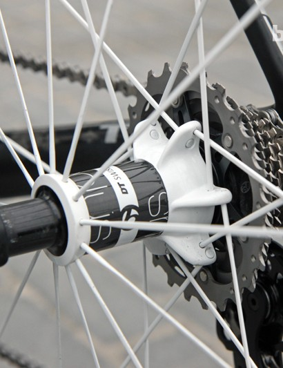 The 'stacked' driveside spoke lacing on the Bontrager Aeolus 5 D3 rear wheel. According to Bontrager, this setup effectively widens the flange spacing for greater wheel stiffness