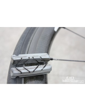 Using the included Zipp Platinum Pro brake pads, the braking is remarkably good - even in the rain