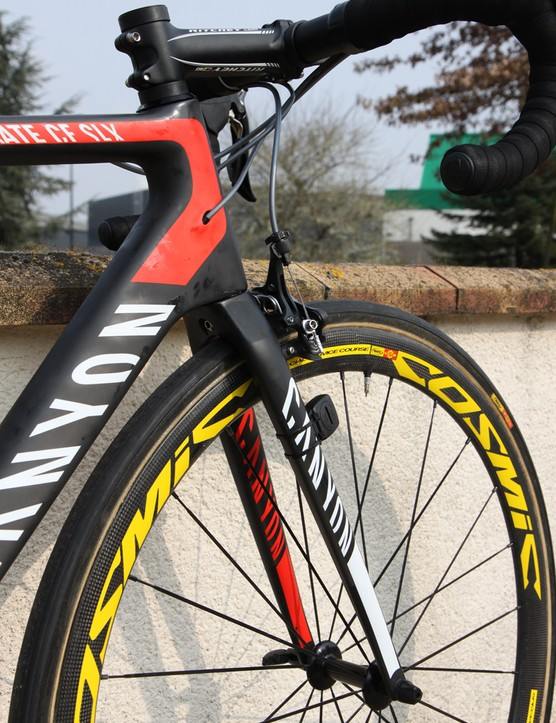 Canyon has long championed its extra-oversized 1 1/4in to 1 1/2in tapered head tube and continues to use it on the latest Ultimate CF SLX, which was introduced last year at the Tour de France
