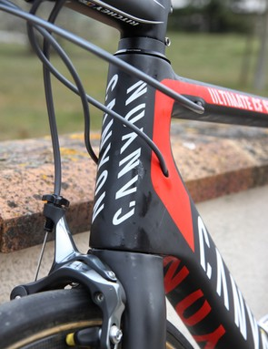 Cables are internally routed on Canyon's latest Ultimate CF SLX - but, unfortunately, the system isn't convertible between mechanical and electronic drivetrains, so if Alexander Kristoff (Katusha) decides to switch he'll need a whole new frame