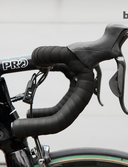 Shimano Dura-Ace Di2 levers are mounted high on PRO Vibe 7s anatomic-bend aluminum bars