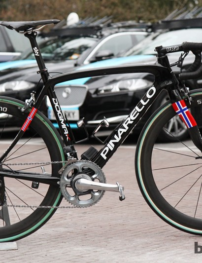 Edvald Boasson Hagen (Sky Pro Cycling) rode this Pinarello Dogma K at this year's Paris-Roubaix. Sky doesn't just have nice bikes, though - check out the team cars in the background