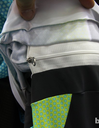 The rear of the Santini Interactive kit zips together to keep everything stretched tightly over the rider's body