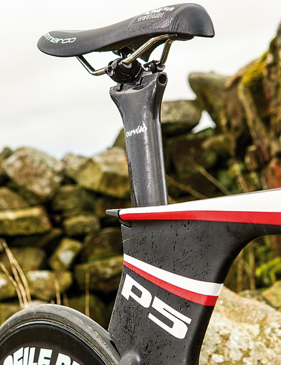 The UCI-legal P5 version gets a shallower Cervélo seatpost with an infinite sliding rail top