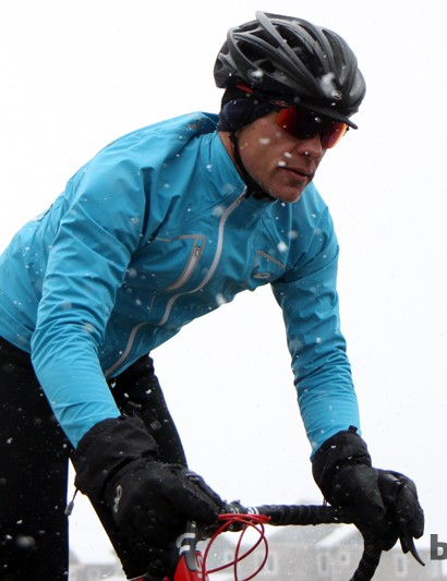 Designed for road riding, the RSE NeoShell jacket features waterproof, breathable fabric