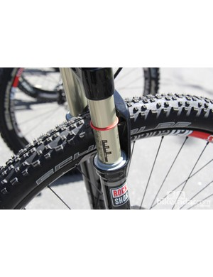 Both Anthem prototypes were equipped with 120mm RockShox SID forks