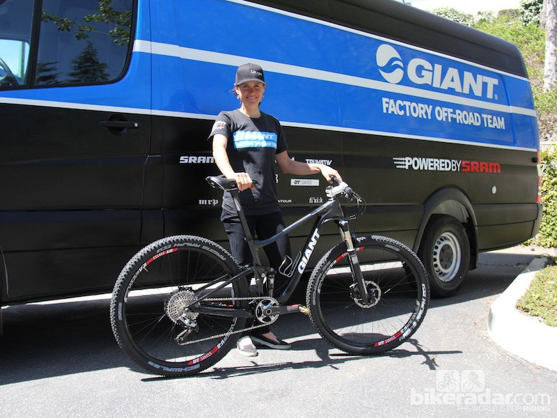 Giant racer Kelli Emmett with what we presume to be a women's-specific Anthem prototype