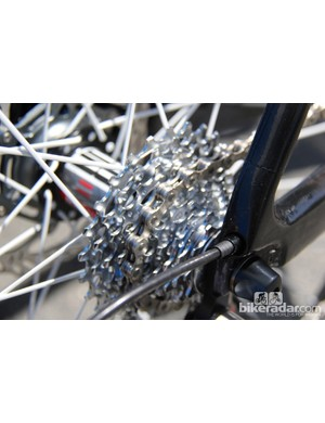 The cassette is a 11-25T model, the fact the bike has a 9-speed chain is an indication to us that the parts were assembled simply to display what might be