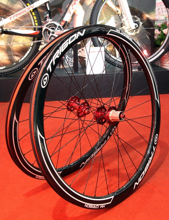 The new Trigon CWCD40 full-carbon clinchers are built with 40mm-deep, 22.3mm-wide rims. They're disc-only so there's no brake track, either
