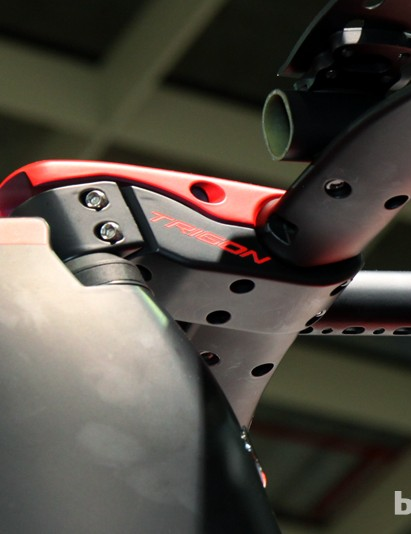 Trigon's new TT stem features a removable cap through which all of the cables can be routed