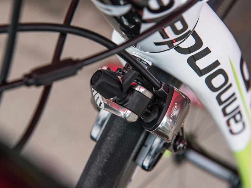 The Hydro R calipers work on any standard rim and frame