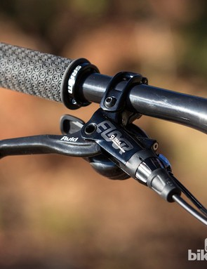 The Avid Elixir 9 Trail lever lacks the cartidge bearing of the XO Trail model