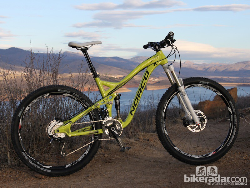 This 650b Norco Sight has 180mm front and 160mm rear brake rotors, a common setup for trail and all-mountain bikes