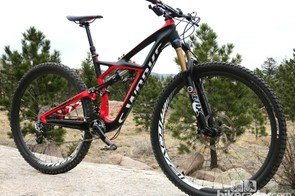 The 150mm-travel Enduro 29 has 200mm front and 180mm rear rotors to bring it to a halt