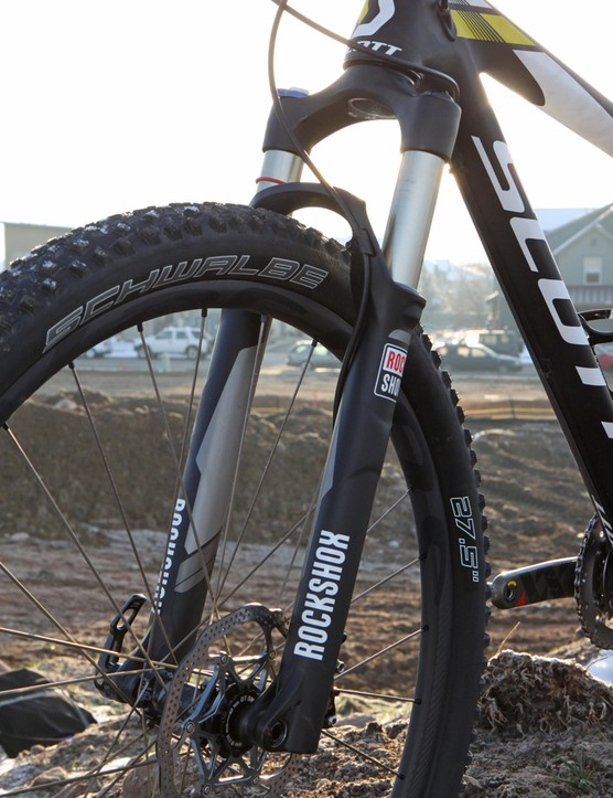 The RockShox SID RCT3 fork offers excellent steering precision in this 100mm-travel setting and a confidently planted feel. The new Solo Air air spring is easier to set up than older Dual Air systems, too