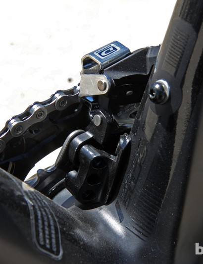 Direct-mount front derailleurs secure to sturdy aluminum blocks at the base of the seat tube. Integrated chain catchers prevent jammed chains, too