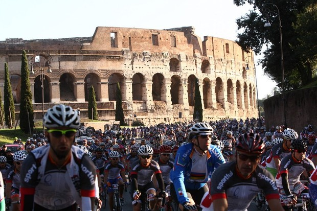 Campagnolo's new cycle tour kicks off with a gran fondo in Rome