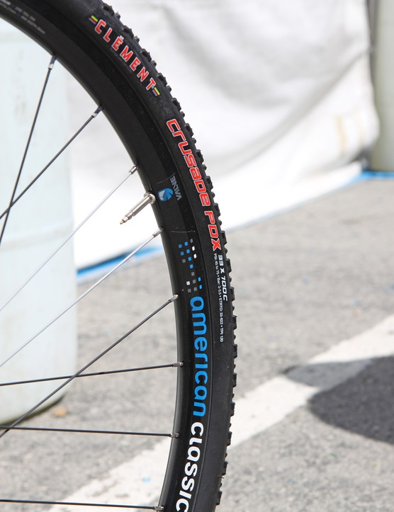 The Clement Crusade PDX clinchers are labeled as 33mm-wide but when mounted to the stock wide-profile American Classic wheels on the updated Raleigh RXC Pro Disc and RXC Disc, they measure closer to 36mm across