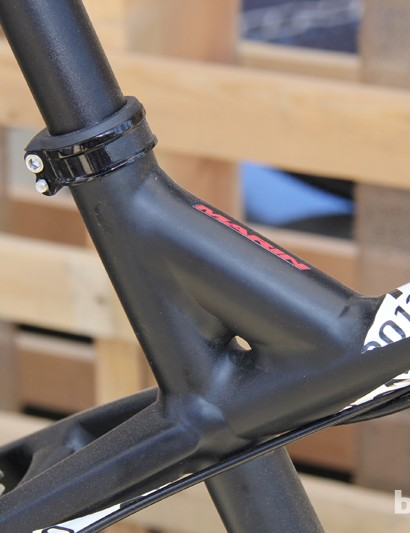 A seat tube brace allows for generous standover clearance