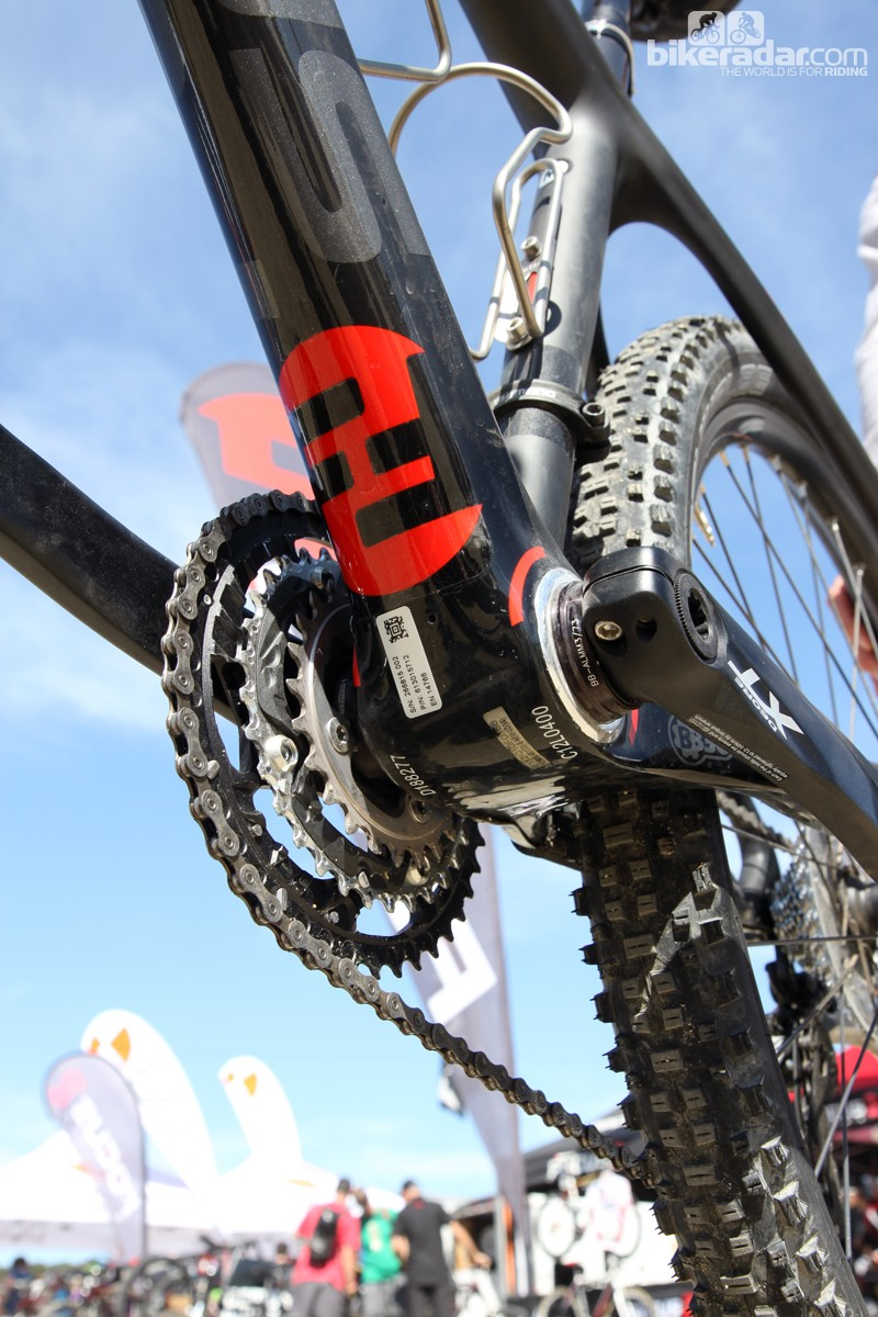 Focus equips the new Raven 650b 1.0 with a BB30 bottom bracket shell