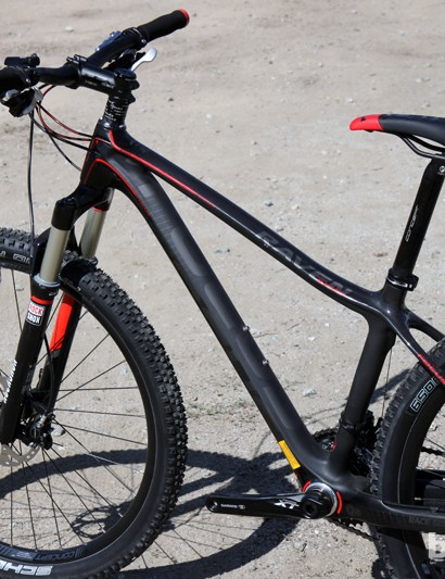 Save for the XS size pictured here, all Focus Raven 650b 1.0 frames feature a straight top tube