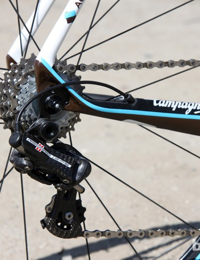 The top-end Focus Izalco Team SL Ag2r comes with a Campagnolo Record EPS electronic group and Fulcrum Racing Speed 50 carbon tubular wheels