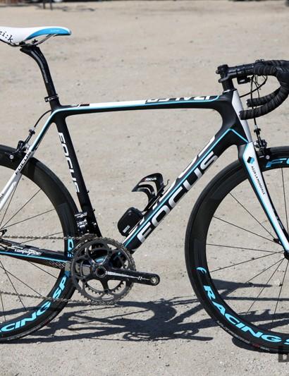 Fans of the Ag2r-La Mondiale squad can now purchase the Izalco Team SL team replica