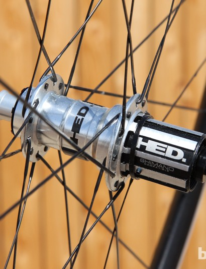 The HED Ardennes Plus SL rear hub features lubrication ports for both the axle bearings and freehub body for easy maintenance