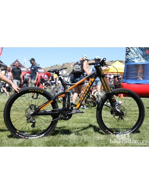 Kona has launched a new carbon fiber downhill platform called the Carbon Operator that's 300g lighter than the aluminum version and supposedly twice as stiff