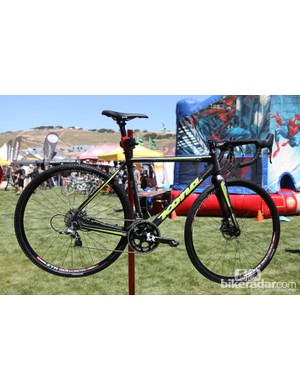 Kona's flagship carbon 'cross racer is now the Super Jake, complete with a redesigned carbon frameset and offered exclusively with disc brakes