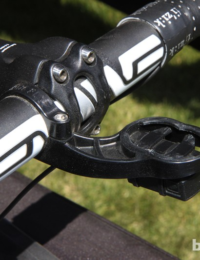 Tate Labs' new Bar Fly 2.0 features a clever dual-position quarter-turn mount for newer Garmin Edge computers that also sets the display lower down than before. Use either mount for smaller models or the one further forward for bigger ones. In either case, it's an excellent fit and the computer snaps securely into place