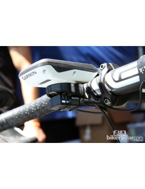 Junction boxes for Shimano or Campagnolo electronic drivetrains can be mounted underneath Tate Labs' new Bar Fly 2.0