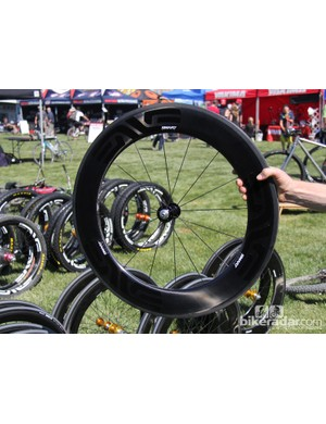 The SES 8.9 clincher front rim is 85mm deep, while the rear is 95mm deep