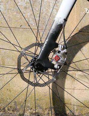 Avid BB7 brakes provide ample stopping power