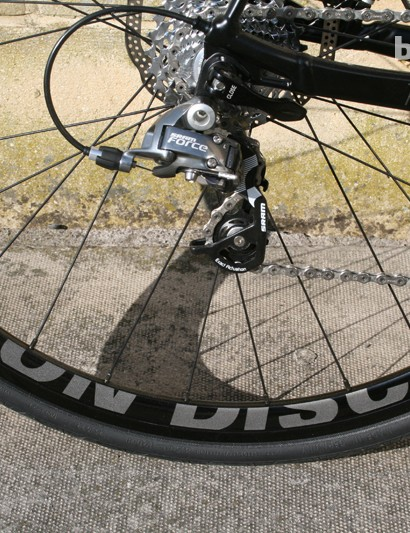 Rose's own mid depth disc-specific wheels look smart and are matched to chunky hubs