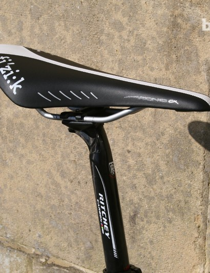 Fizik saddle sits on top of the Ritchey WCS seatpost