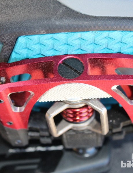Teva worked with crankbrothers to get a full interface at the cleat and the pedal body - without modifying the shoe