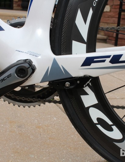 While relatively slender in frontal profile, the bottom bracket area is massive from the side