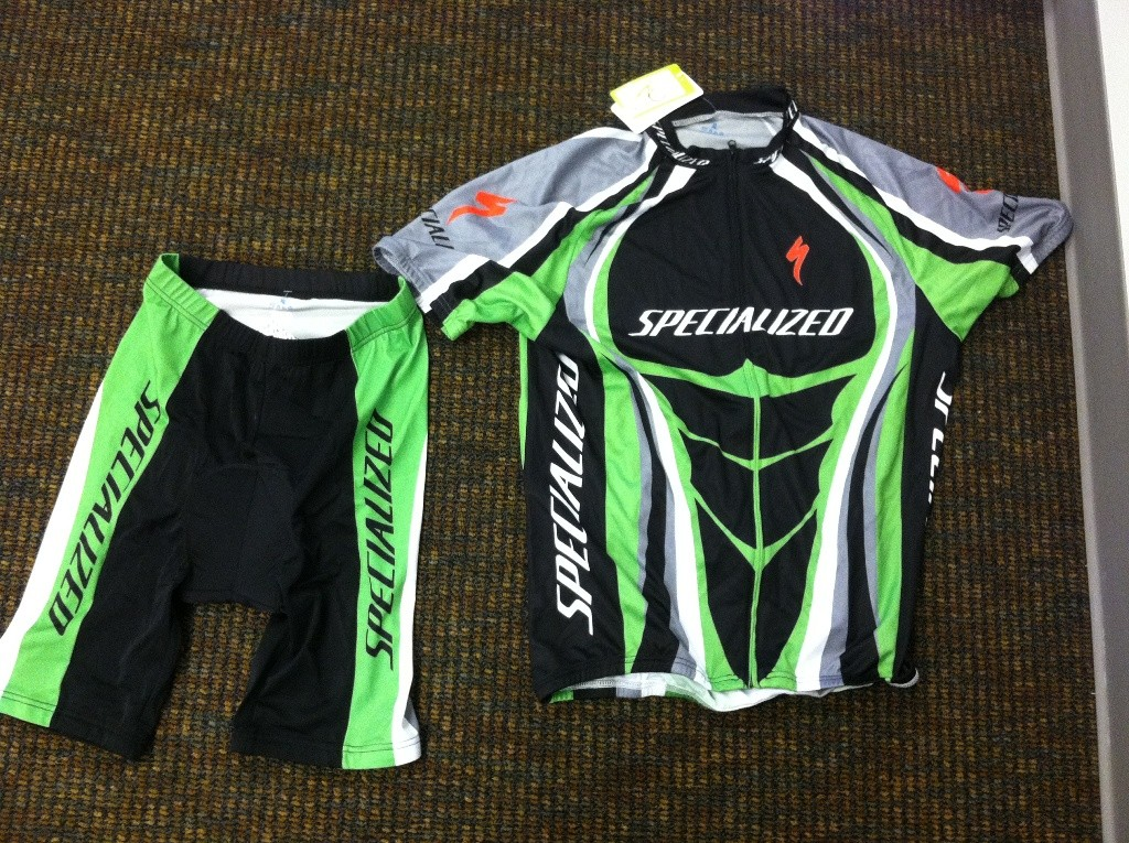 Examples of fake Specialized apparel