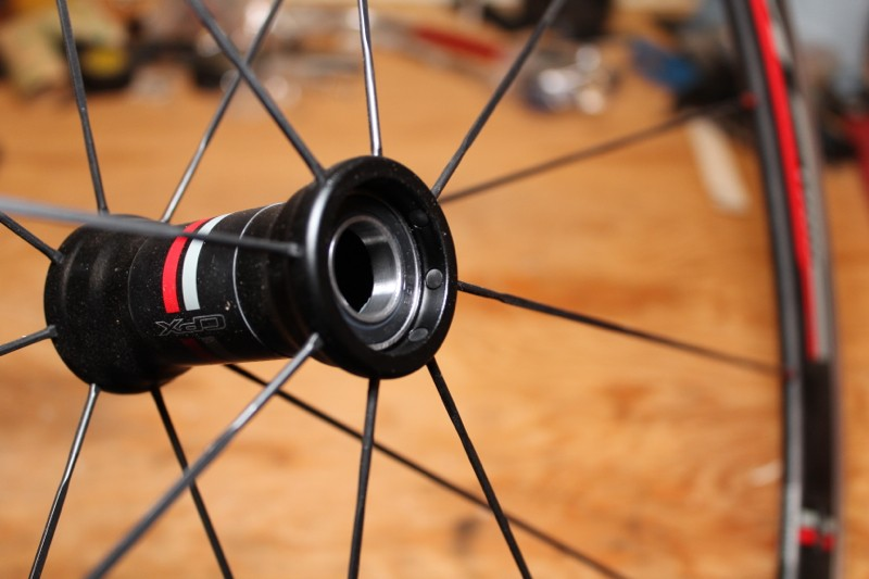 Straight-pull spokes lace up the Focus-exclusive Fulcrum wheels